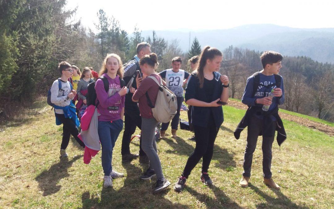 Sedmošolci na poti v Zagorico